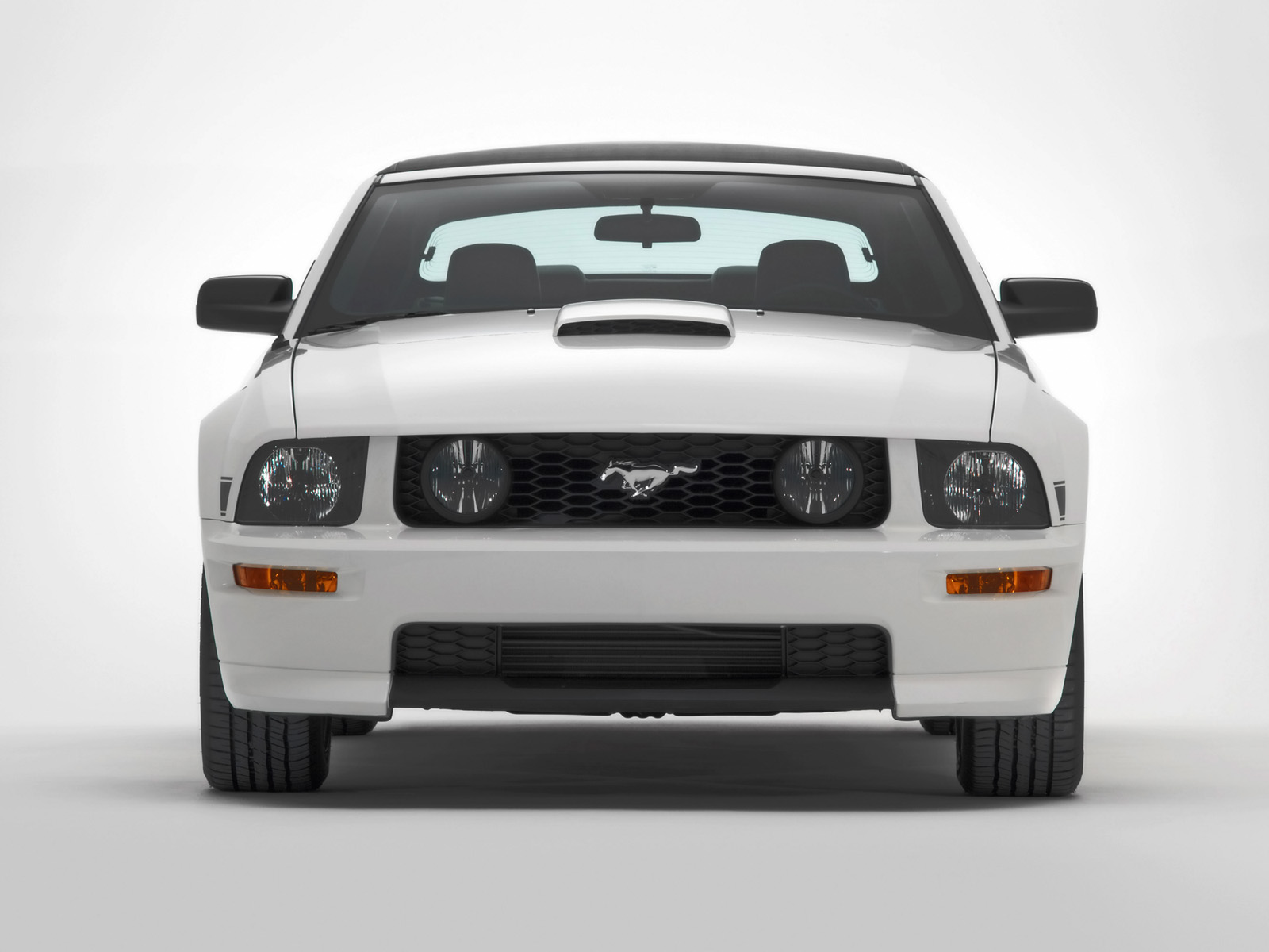 a look at the unique features of the mustang Engines and standard features the 1965 mustang used a 170-cubic-inch straight-six  which has become mustang's signature look  the interior had a unique.